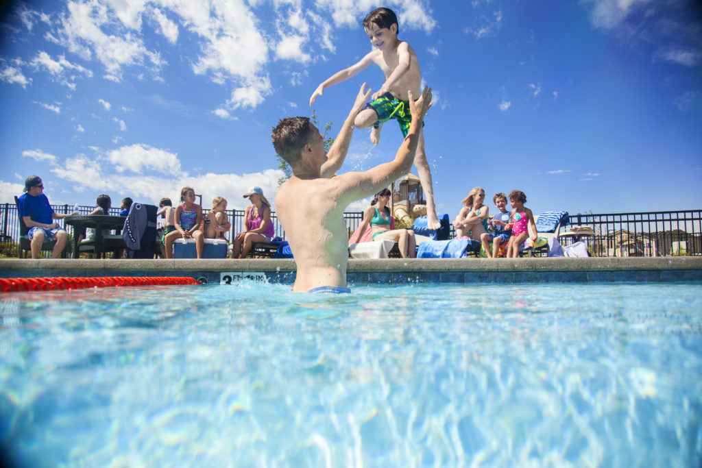 SSS-095_2014-Lifestyle_In_Pool_Tossing_A_v01