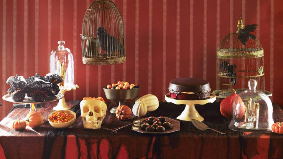 Get your ghoul on with these Halloween décor ideas.