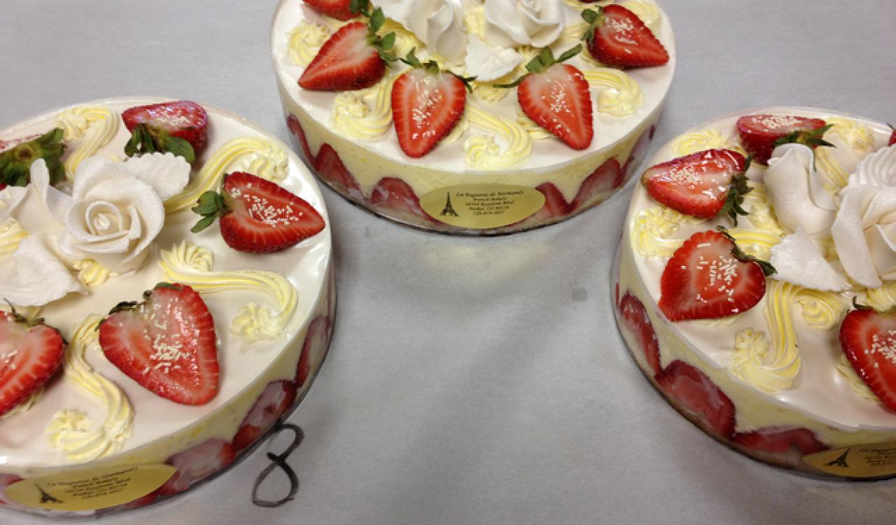 La Baguette de Normandy cakes